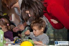 Fotos vom Weihnachtsbasteln für Kinder in der Weihnachtswerkstatt bei FRida – Grazer Kindermuseum vom 16. Dezember 2012. Bei FRida gibt es an den Adventsonntagen unter fachkundiger Anleitung für Kinder das Weihnachtsbasteln. Das Christkind kommt.