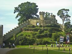 ♡ Ethelfreda's Mound - Warwick Castle, seat of the Earls of Warwick and for over 950 years a home for the Beaumont, Beauchamp, Neville, Plantagenet, Dudley and Greville families.