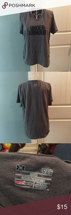 Under Armour Tee Lightly worn! No flaws. Size large Under Armour Tops Tees - Short Sleeve