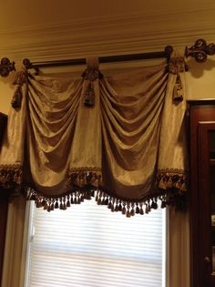 1000 Images About Swags And Cascades Jabots On Pinterest Window Treatments Valances And Swag