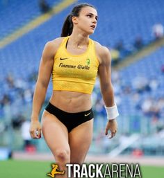Athletic Events, Pole Vault, Beautiful Athletes, Human Poses Reference, Sporty Girls, Muscle Girls, Sport Man, Track And Field, Athletic Women