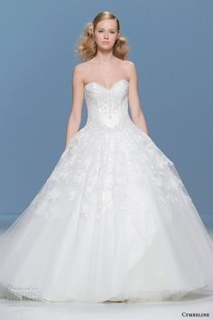 http://www.weddinginspirasi.com/2014/08/11/cymbeline-bridal-2015-wedding-dresses/ Cymbeline 2015 #bridal collection: strapless princess ball gown #wedding dress #weddingGown #weddingDress