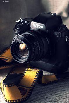 nikon F5 camera | collectibles + photography equipment