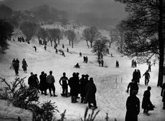 Tobogganing on Hampstead Heath 1938 Old London, Vintage London, London History, British History, Hunters In The Snow, Hampstead Heath, Hampstead London, London Photos, London Calling