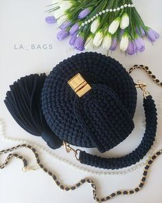 Crochet Bag Pattern Is A Stunner - Page 9 of 24 Bag Pattern Free, Pouch Pattern, Crotchet Bags, Knitted Bags, Free Crochet Bag, Crochet Yarn, Crochet Handbags, Crochet Purses, Handbag Tutorial