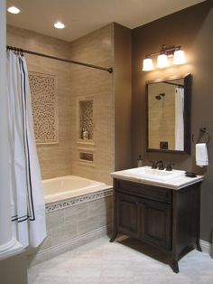 love the alcove in the bath with the inset tile.