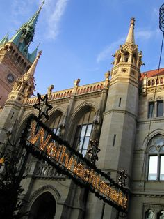 Braunschweiger Rathaus mit dem Weihnachtsmarkt