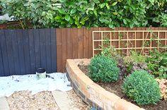 Find more information on Yard Fence Decor Garden Fence Paint, Diy Fence, Garden Fencing, Fence Ideas, Garden Ideas, Cuprinol Garden Shades, Fence Screening, Black Fence, Tropical Garden