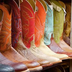 It's hard to know where to begin when purchasing Cowboy boots. This list of the best men's and women's cowboy boots will have you looking more stylish than ever. Bota Country, Country Boots, Over Boots, Into The West, Country Outfitter, Down South, Cowgirl Boots, Cowgirl Style, Western Boots