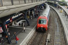 Train's in stadelhofen station