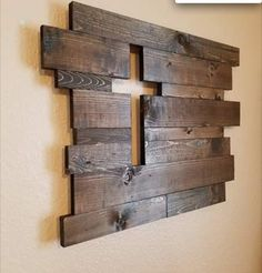 Ideas For Barn Wood Signs Decor Pallet Art Pallet Art, Pallet Projects, Home Projects, Woodworking Projects, Pallet Walls, Diy Pallet, Pallet Signs, Barn Board Projects, Barn Wood Walls