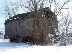 Old barn on Manning Road, Hartville, Ohio by bjebie, via Flickr
