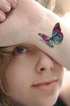 3D Colorida Tatuagem de Borboleta no Pulso #tatuagens #tatuagem.... See even more by going to the image link