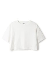 <p>This is a cropped, short-sleeved T-shirt in white. It is made of 100% cotton. In a size small this tee measures 45.5 cm in length and 108 cm cm around the chest. The sleeve length is 18 cm. </p>