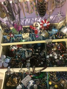 Costume Jewelry Lot Vintage Mele Jewelry Box Over 130 Assrt'D Items | eBay