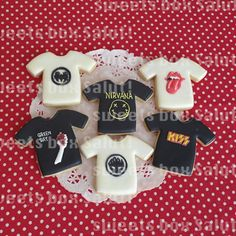 ロックTシャツとロックロンパースのアイシングクッキー | sweets box Salut!