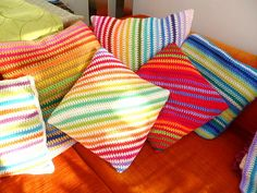 The 8th Gem: Crochet Moss Stitch Diagonal Cushion Pattern