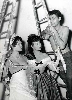 Syn kochanej Karoliny - na planie filmowym Brigitte Bardot, Bridget Bardot, Jean Claude Pascal, Paris, Sexy Stockings, Fan Page, French Fashion, Fashion Models, Singer