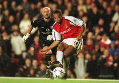 Henry Scores vs Manchester United 2001.