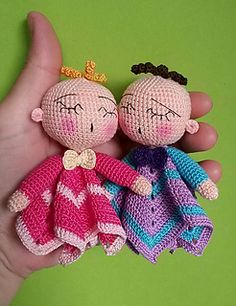 3.00 Eur for pattern via Ravelry, 10/15