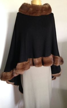 HALSTON VTG WOOL SWING CAPE WITH MINK TRIM ELEGANT #HALSTON