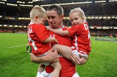 Goodbye Shane: An emotional Shane Williams, with children, Carter and Georgie says a final farewell to international rugby in 2011