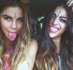 festival makeup inspo from the gorgeous Mimi Elashiry Look Festival, Rave Festival, Festival Wear, Festival Outfits, Festival Fashion, Hippie Style, Mode Hippie, Hippie Boho, Bohemian