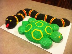 Snake and turtle cakes
