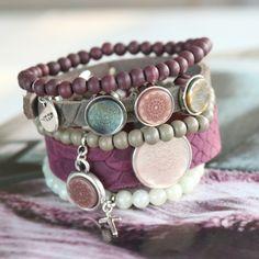 Trendy armbandjes + ketting van Polaris Elements mandala cabochon! Craft Jewelry, Jewelry Trends, Anklets, Mandala, Symbols, Yoga, My Style, Bracelets, Leather
