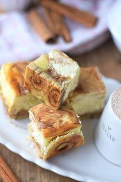 Zimtschnecken Cheesecake mit Apfelfüllung - Cinnamon Roll Cheesecake with apple compote filling | Das Knusperstübchen