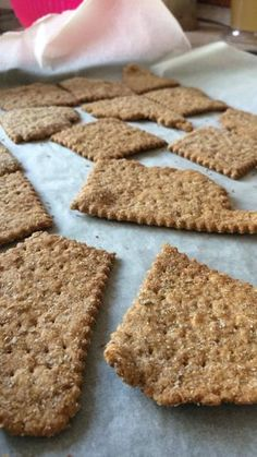 Co ze zbylého kvásku? Bread Recipes, Cooking Recipes, Healthy Recipes, How To Make Bread, Bread Baking, Gingerbread Cookies, Crackers, Food And Drink, Homemade