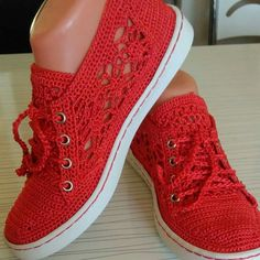 Sneaks Crochet Shoes Pattern, Shoe Pattern, Crochet Sandals, Crochet Slippers, Make Your Own Shoes, Crochet Flip Flops, Spring Boots, Flip Flop Shoes, Clean Shoes