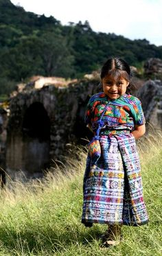 Guatemalan girl ABSOLUTLEY LOVE!!! this picture!!! :D :D :D
