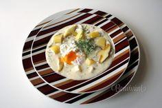 Pýchou juhočeskej kuchyne je táto voňavá skvelá polievka, pripravená zo zemiakov, smotany, húb, vajec a kôpru. Kulajda je sýta polievka a preto sa často podáva ako samostatný chod s čerstvým chlebíkom. Jednotný recept na prípravu kulajdy neexistuje. Každá rodina, každá dedina má svoju obľúbenú verziu. Umenie uvariť ozaj dobrú kulajdu spočíva hlavne v jej jemnom dochucovaní na záver. Hungarian Recipes, Hungarian Food, Soup Recipes, Eggs, Breakfast, Soups, Morning Coffee, Hungarian Cuisine, Egg