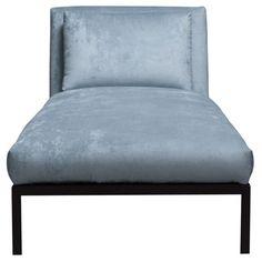 De stoel is gemaakt van metaal en meubelplaat. De Vintage Velvet stof is 100% polyester.  Afgebeeld in: Vintage Velvet 158 niagara , frame mudgrey