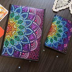 Passport cover with rainbow mandala, bright accessory, dot art, Multy Color, Spring Mandala Doodle, Easy Mandala Drawing, Mandala Art Lesson, Mandala Artwork, Doodle Art Drawing, Mandala Dots, Mandala Painting, Mandala Pattern, Art Drawings