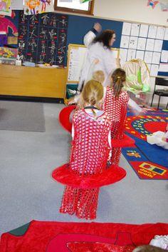 Red blood cells drag oxygen around an unhealthy body. Preschool Body Theme, Red Blood Cells, Body Systems, Human Body, Full Body, Fashion, Moda, La Mode, The Human Body