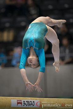 【速報】全日本種目別予選 結果 – GymnasticsNews(ジムナスティクスニュース ) Artistic Gymnastics, Gymnastics Girls, Gymnastics Pictures, You Go Girl, Manga Drawing, Drawing Reference, World Cup, Athlete, Action
