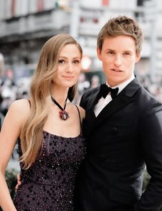 Who is eddie redmayne dating 2018