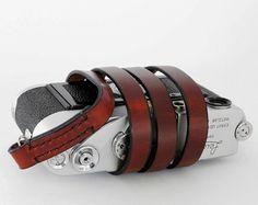 leather camera strap.