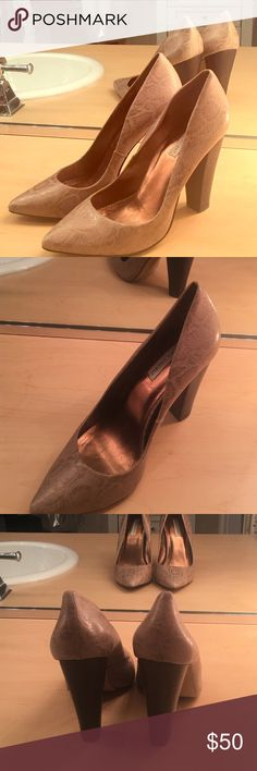 """Cynthia Vincent Metallic Faux Snake Skin heels Leather material. Insole 9"""". Heel 4"""". Width 3"""". Size 6.  I wear a true 6 and they run small. I'd say these are more like a 5.5. Cynthia Vincent Shoes Heels"""