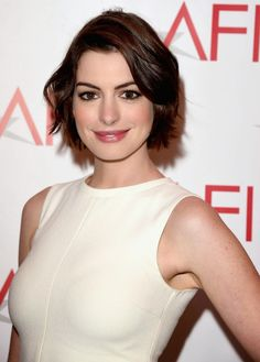 Anne Hathaway To Star In Godzilla Meets Being John Malkovich Monster Movie Colossal