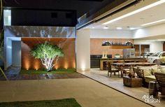 Ana Paula e Sanderson / Casa Piscina Outdoor Rooms, Outdoor Living, Exterior Design, Interior And Exterior, Balcony Design, Outdoor Landscaping, Future House, Interior Architecture, Beautiful Homes