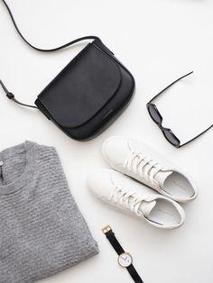 Weekend Style | My 5 minimal monochrome wardrobe essentials