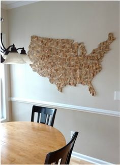 Wine Corks Reused - Cork Board Map of USA ~5x3' Read more for tips on how to make a board of any shape using corks. DIY repurpose. Wine corkboard.