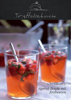 Aperol-Bowle mit Erdbeeren
