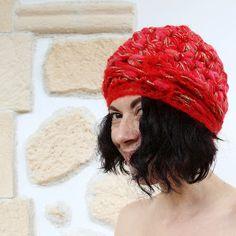 uncinetto moda e fantasia: cappellino in lana e mohair.....