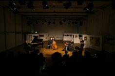 Ursel Schlicht (Flügel), Georg Wolf (Kontrabass), Lou Grassi (Schlagzeug), Martin Speicher (Saxophone, Klarinetten) - Konzertfotograf Kassel http://blog.ks-fotografie.net/konzertfotografie/drummer-lou-grassi-live-konzertfotografie/