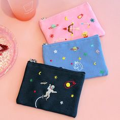 Afternoon In space small cotton zipper pouch by By afternoon. The In space small pouch is a beautiful and well made zipper pouch. Embroidery Bags, Simple Embroidery, Hand Embroidery Designs, Embroidery Stitches, Bag Patterns To Sew, Tote Pattern, Sewing Patterns, Handmade Clothes, Diy Clothes