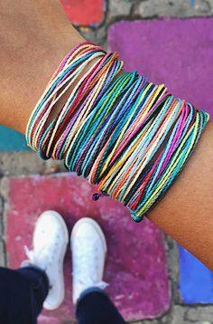 Pura Vida Bracelets x Jasmin Manzano Purvida Bracelets, Summer Bracelets, Anklet Bracelet, Anklets, Bracelet Patterns, Bracelet Designs, Cute Friendship Bracelets, Anklet Designs, Coin Pendant Necklace
